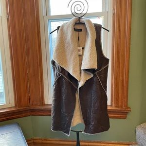 NWT Choies faux leather sherpa lined vest
